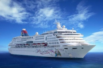Star Cruises ship to homeport in Manila